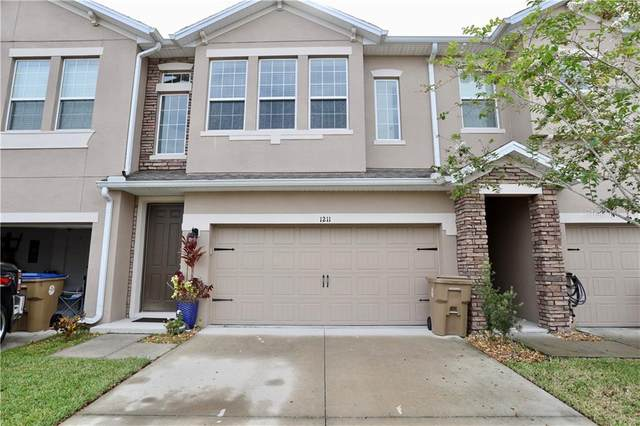 1211 Pensacola Court, Kissimmee, FL 34744 (MLS #S5037550) :: GO Realty