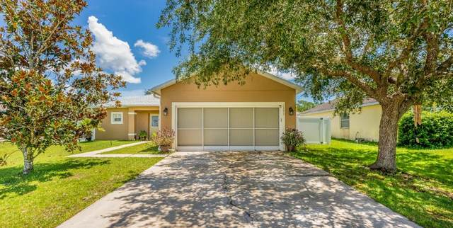 1371 Burnley Court, Kissimmee, FL 34758 (MLS #S5037720) :: Cartwright Realty