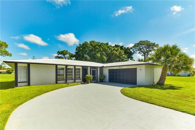 70 Oakland Hills Place, Rotonda West, FL 33947 (MLS #S5039130) :: Bustamante Real Estate