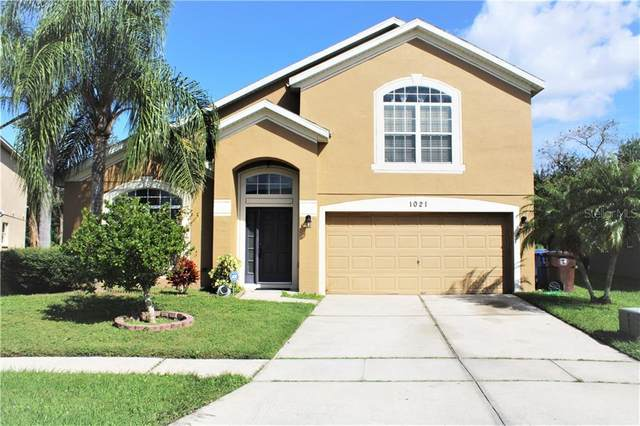 1021 Hacienda Circle, Kissimmee, FL 34741 (MLS #S5042223) :: Gate Arty & the Group - Keller Williams Realty Smart