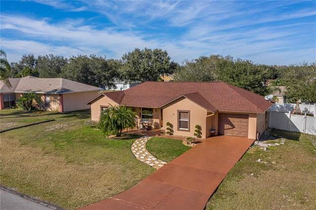 9 Highview Court, Mascotte, FL 34753 (MLS #S5044928) :: Griffin Group