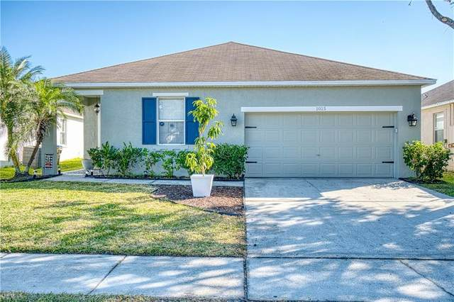 1015 Belvoir Drive, Kissimmee, FL 34744 (MLS #S5045628) :: Bustamante Real Estate