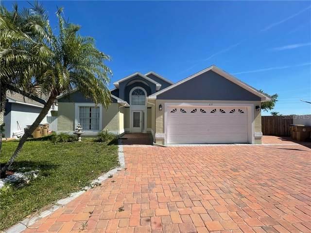 835 Woodfield Court, Kissimmee, FL 34744 (MLS #S5047423) :: Alpha Equity Team