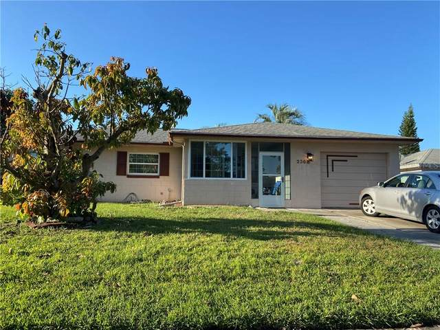 2368 Valley Avenue, Kissimmee, FL 34744 (MLS #S5049157) :: Griffin Group