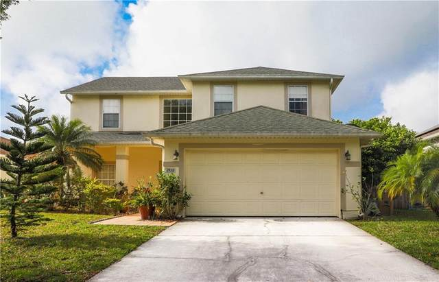 2422 Huron Circle, Kissimmee, FL 34746 (MLS #S5049386) :: Lockhart & Walseth Team, Realtors