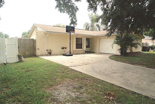 410 Ball Court, Poinciana, FL 34759 (MLS #S5052379) :: Carmena and Associates Realty Group