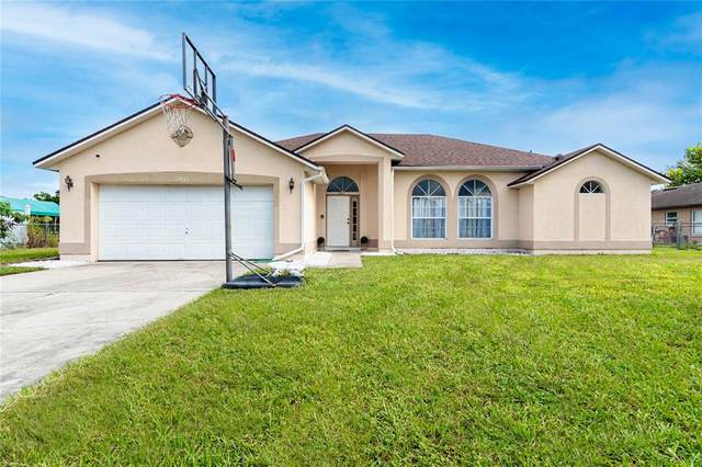 1447 Kingston Way, Kissimmee, FL 34744 (MLS #S5053948) :: The Robertson Real Estate Group