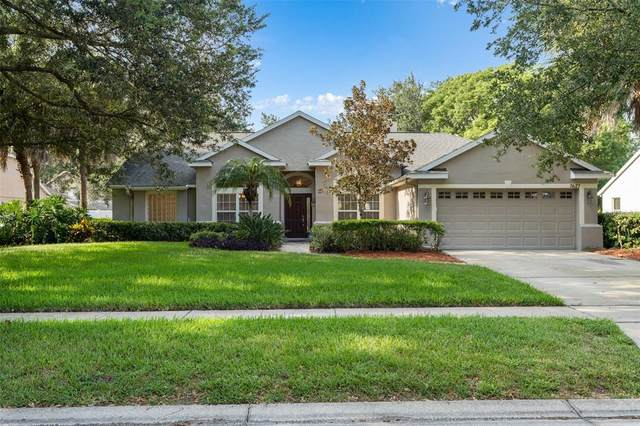 7627 Lindenhurst Drive, Orlando, FL 32836 (MLS #S5054032) :: The Kardosh Team