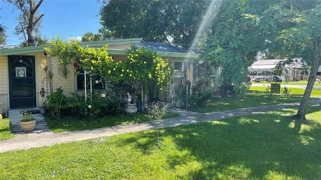 5575 Myakka Avenue, Intercession City, FL 33848 (MLS #S5054669) :: Delgado Home Team at Keller Williams