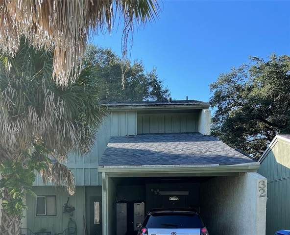32 Saint Andrews Court, Kissimmee, FL 34759 (MLS #S5057971) :: Bustamante Real Estate