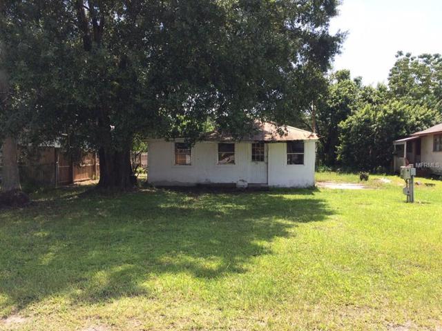 720 Oak Street SW, Ruskin, FL 33570 (MLS #T2906463) :: The Lockhart Team