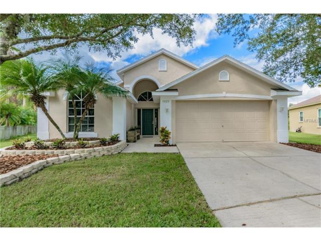 5825 Hawkwood Court, Lithia, FL 33547 (MLS #T2908869) :: Arruda Family Real Estate Team
