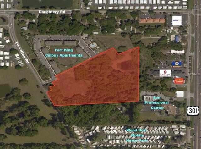 6830 Jeter Lane, Zephyrhills, FL 33541 (MLS #T3110016) :: The Duncan Duo Team