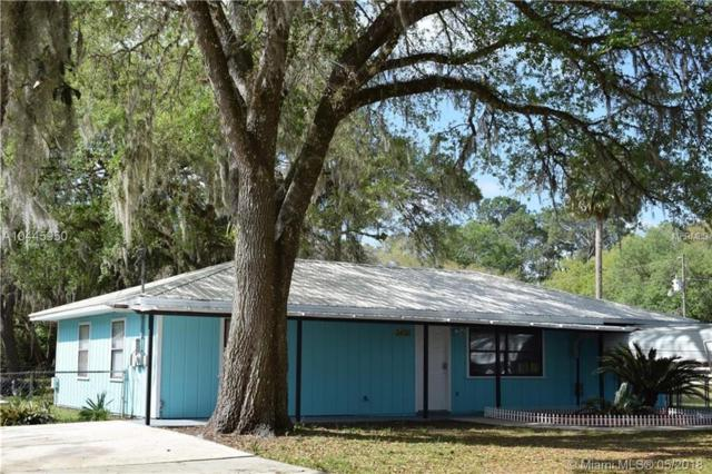 24616 Ann Street, Astor, FL 32102 (MLS #T3121934) :: Mark and Joni Coulter | Better Homes and Gardens
