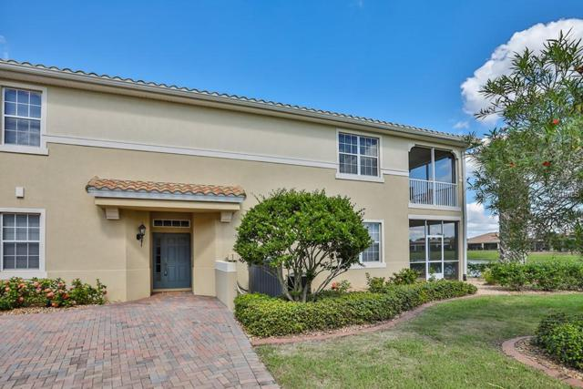 1340 Emerald Dunes Drive, Sun City Center, FL 33573 (MLS #T3138021) :: Mark and Joni Coulter | Better Homes and Gardens