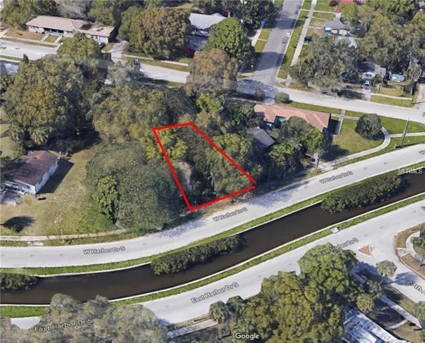821 W Harbor Drive S, St Petersburg, FL 33705 (MLS #T3144787) :: The Lockhart Team