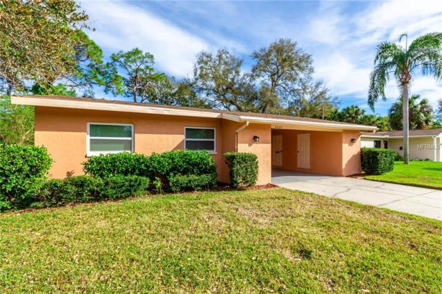 4435 Huntington Street NE, St Petersburg, FL 33703 (MLS #T3157594) :: The Light Team