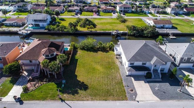 Gulf Way, Hudson, FL 34667 (MLS #T3157621) :: The Duncan Duo Team
