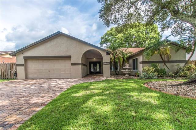 11403 Country Oaks Drive, Tampa, FL 33618 (MLS #T3186280) :: The Duncan Duo Team