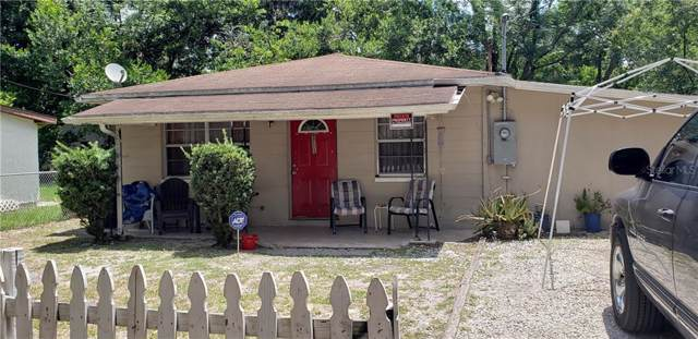 9711 E Castle Court, Tampa, FL 33612 (MLS #T3186518) :: The Duncan Duo Team