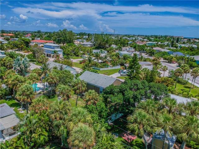 404 Clark Drive, Holmes Beach, FL 34217 (MLS #T3186824) :: Griffin Group