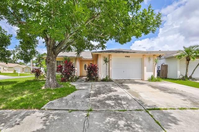 1742 Lakeview Village Drive, Brandon, FL 33510 (MLS #T3197763) :: Team Pepka