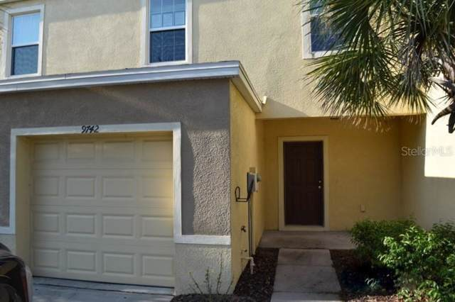 9742 Hound Chase Drive, Gibsonton, FL 33534 (MLS #T3199488) :: The Light Team