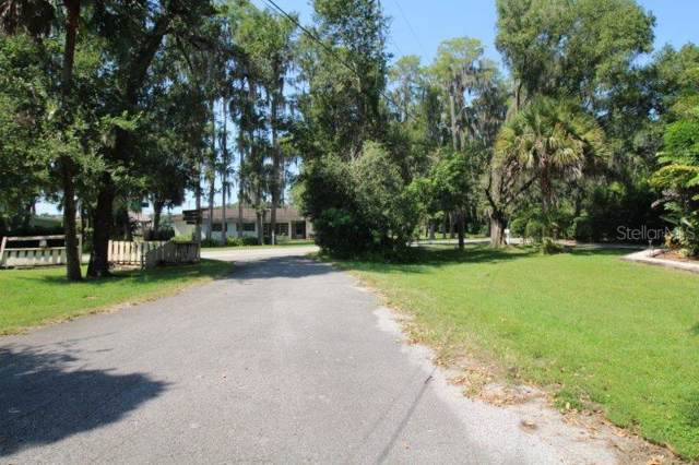 111 Oak Lee Drive, Lutz, FL 33548 (MLS #T3205721) :: Keller Williams Realty Peace River Partners