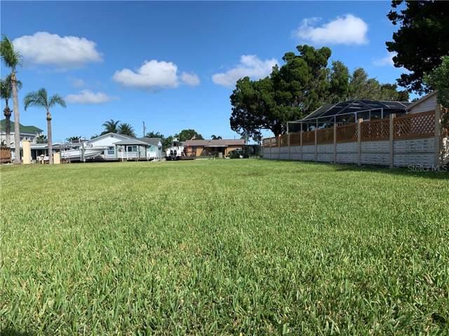 6425 Yvette Drive, Hudson, FL 34667 (MLS #T3209299) :: Delgado Home Team at Keller Williams