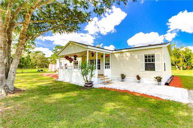17451 Driftwood Lane, Lutz, FL 33558 (MLS #T3210469) :: The Comerford Group