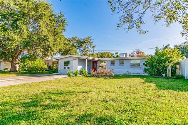 8780 79TH Place, Largo, FL 33777 (MLS #T3212245) :: The Duncan Duo Team