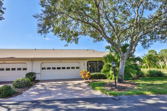 2517 Langtree Court, Sun City Center, FL 33573 (MLS #T3214694) :: The Figueroa Team