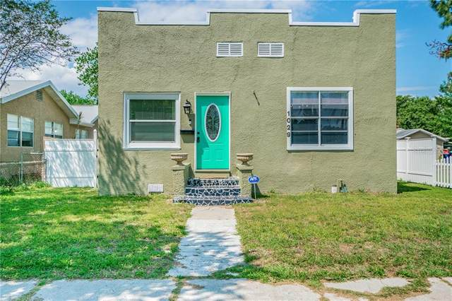 1029 55TH Avenue N, St Petersburg, FL 33703 (MLS #T3222392) :: The Paxton Group