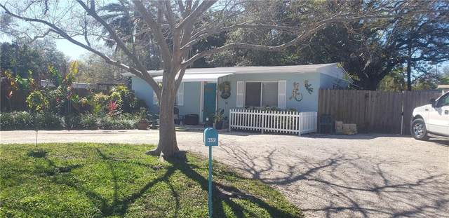 4495 Crestwood Drive N, St Petersburg, FL 33714 (MLS #T3225098) :: Alpha Equity Team
