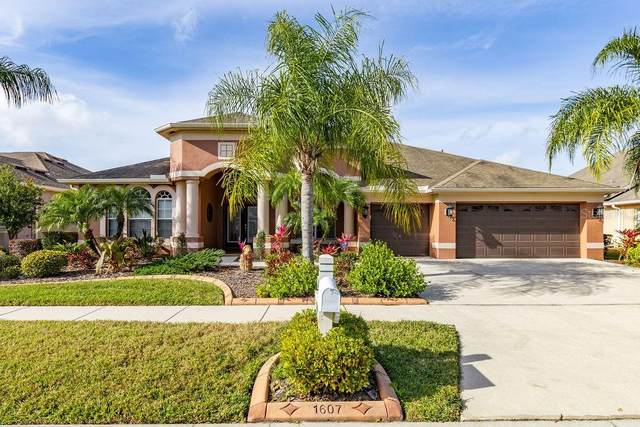 1607 Beaconsfield Drive, Wesley Chapel, FL 33543 (MLS #T3225364) :: Griffin Group