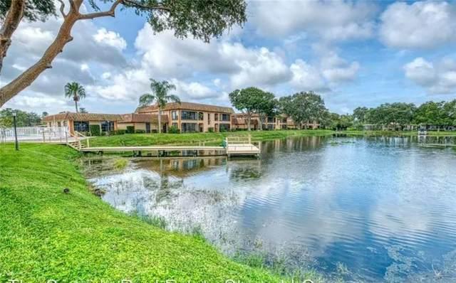 10184 W Seminole Island W #10184, Largo, FL 33773 (MLS #T3229601) :: Cartwright Realty