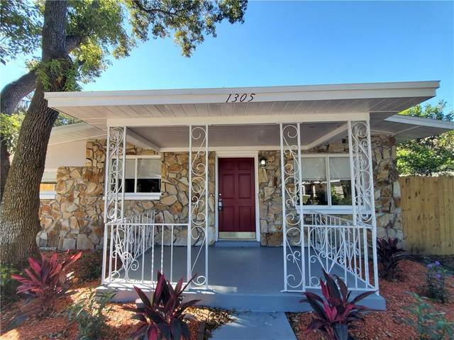 1305 E Giddens Avenue, Tampa, FL 33603 (MLS #T3229968) :: Griffin Group