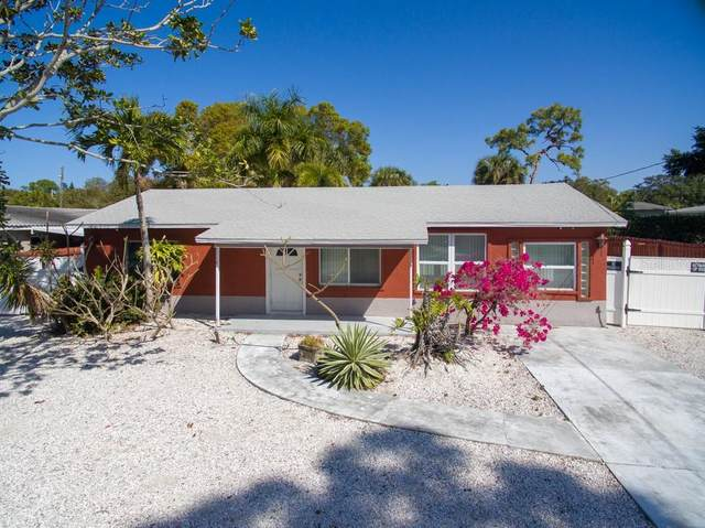 10981 Navajo Drive, St Petersburg, FL 33708 (MLS #T3232036) :: Premium Properties Real Estate Services