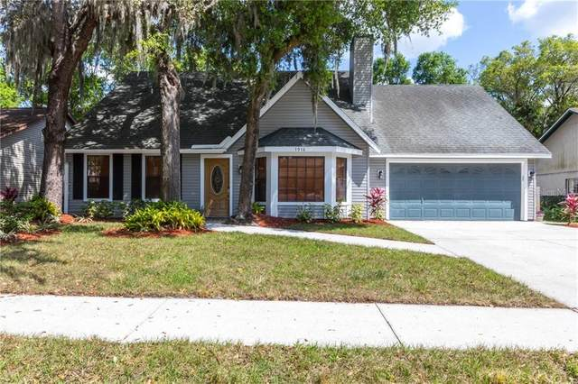 1916 River Crossing Drive, Valrico, FL 33596 (MLS #T3233236) :: Carmena and Associates Realty Group