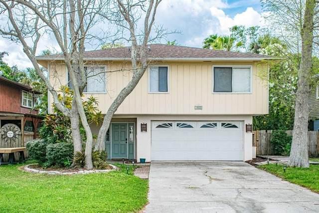 1862 Shore Acres Boulevard NE, St Petersburg, FL 33703 (MLS #T3235024) :: Griffin Group