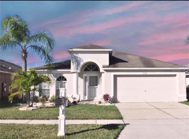 7327 Cutwater Lane, Wesley Chapel, FL 33545 (MLS #T3235645) :: Premier Home Experts