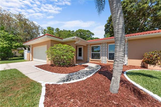 2144 Wateroak Drive N, Clearwater, FL 33764 (MLS #T3235851) :: Premium Properties Real Estate Services