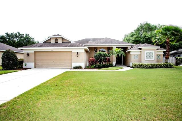 3019 Sutton Woods Drive, Plant City, FL 33566 (MLS #T3236213) :: Griffin Group