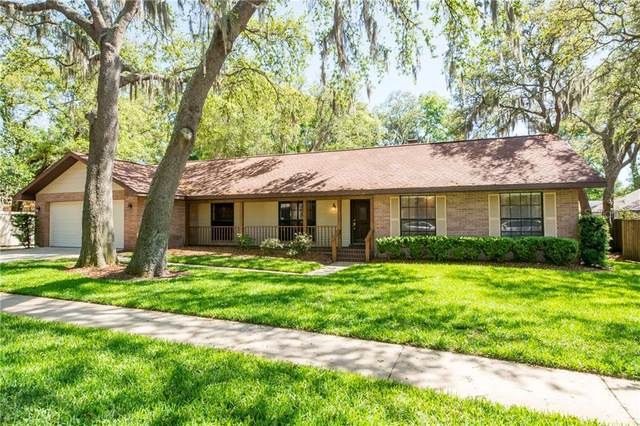1107 Oakridge Manor Drive, Brandon, FL 33511 (MLS #T3236224) :: Griffin Group