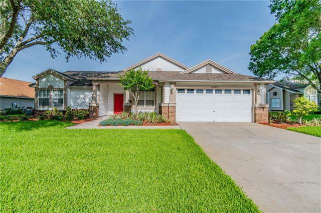 3323 Silvermoon Drive, Plant City, FL 33566 (MLS #T3237116) :: Premium Properties Real Estate Services