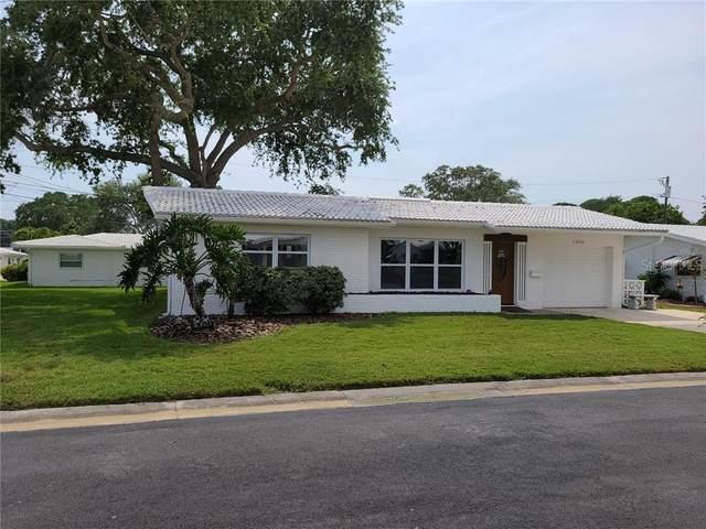 14166 87TH Avenue, Seminole, FL 33776 (MLS #T3237590) :: The Duncan Duo Team