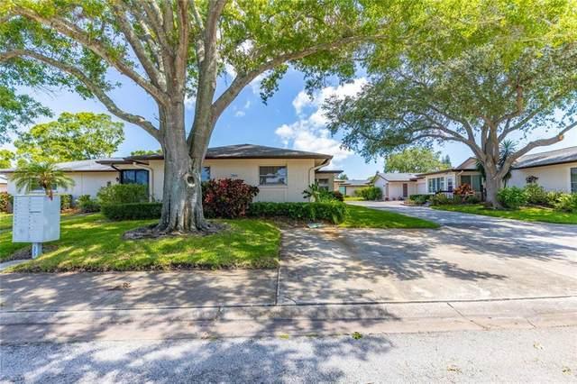 2815 Sherbrooke Lane B, Palm Harbor, FL 34684 (MLS #T3241975) :: Delgado Home Team at Keller Williams
