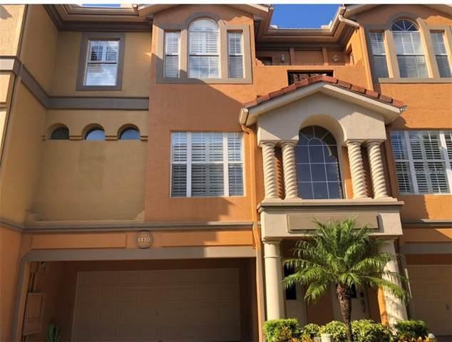 1410 Manatee Circle, Tarpon Springs, FL 34689 (MLS #T3242193) :: The Duncan Duo Team