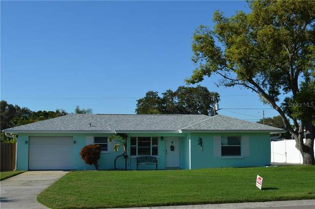 2002 7TH Avenue SW, Largo, FL 33770 (MLS #T3244564) :: Charles Rutenberg Realty