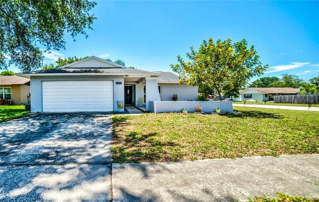 2398 Timbercrest Circle W, Clearwater, FL 33763 (MLS #T3244696) :: Team Pepka